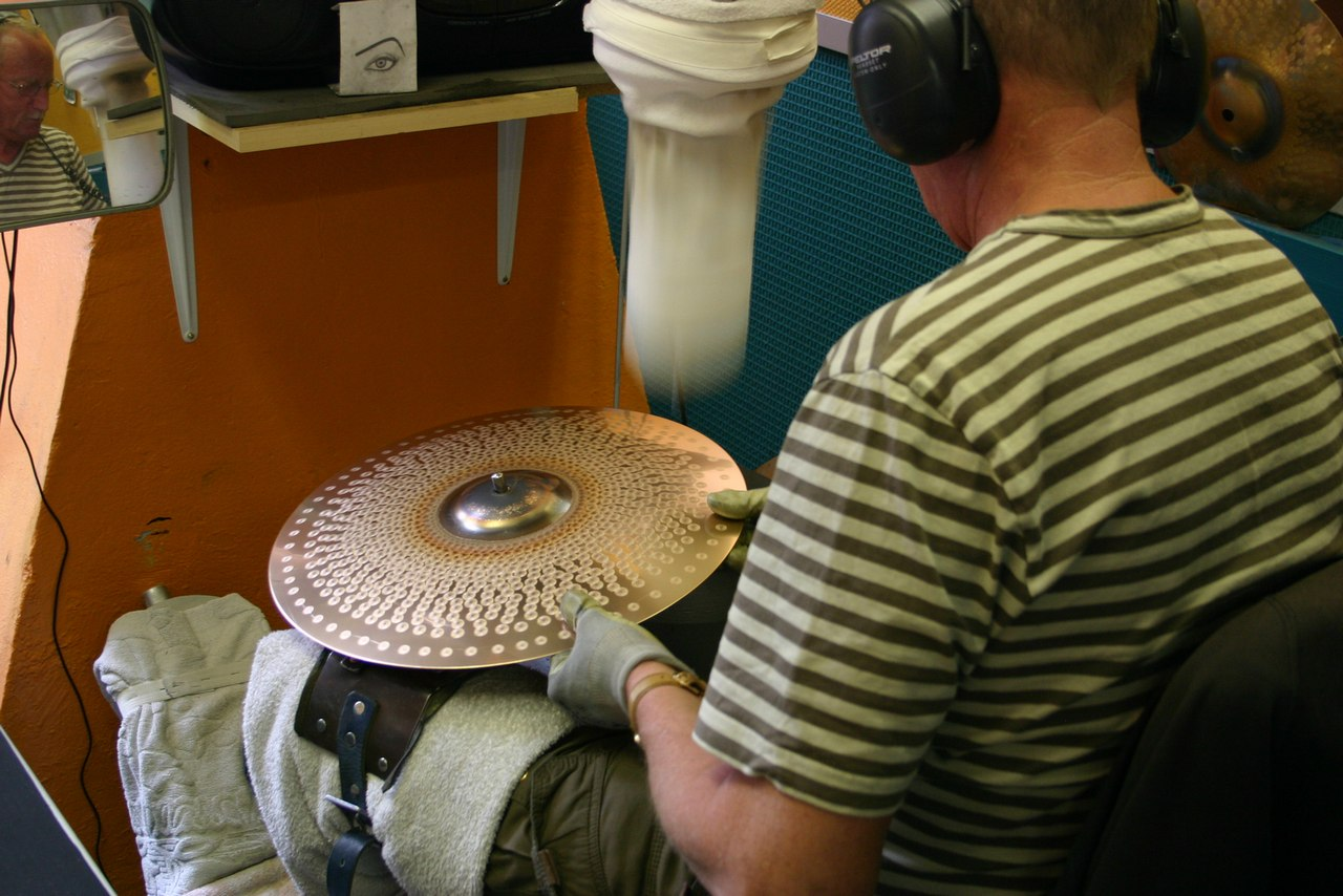 paiste-philosophy-and-manufacturing-part2-14