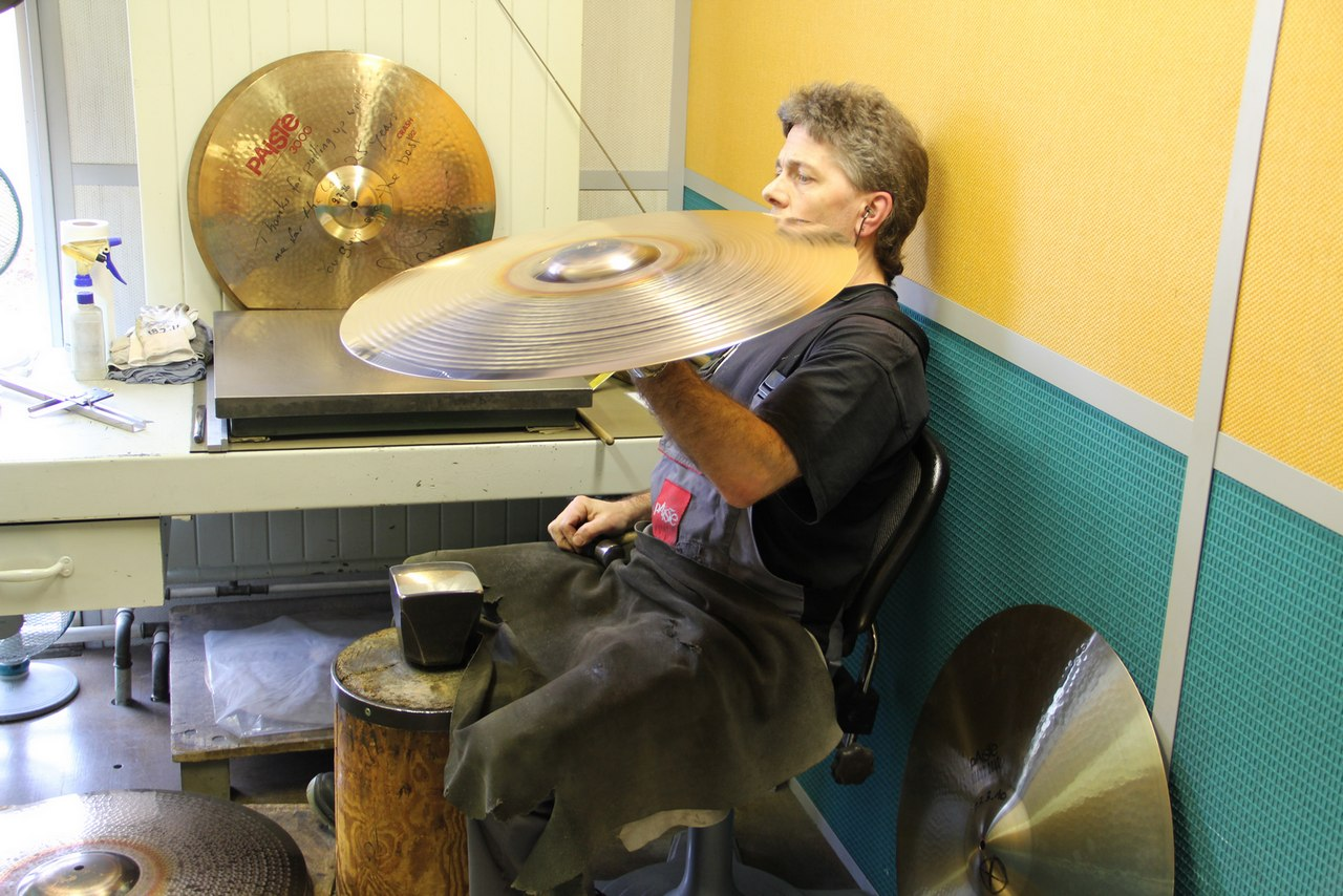paiste-philosophy-and-manufacturing-part2-19